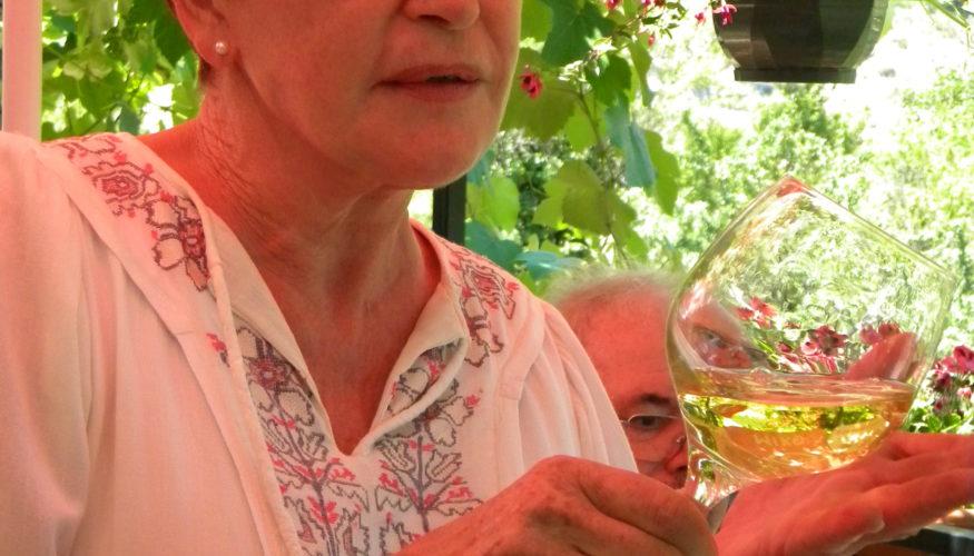 vin dégustation l'hotesse